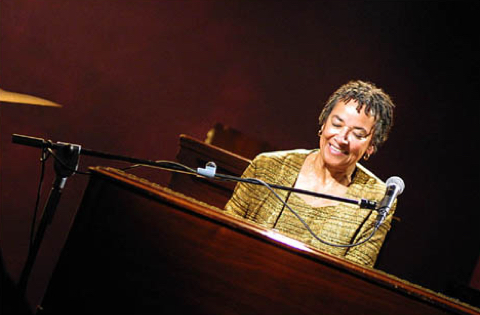 Aurore Voilqué & Rhoda Scott Quartet : Djangolized