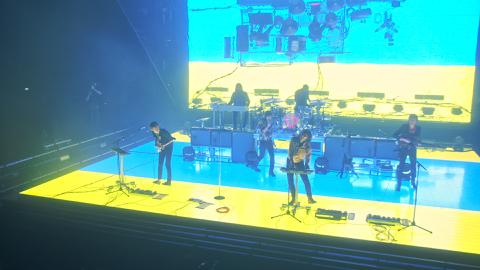 PHOENIX live À Bercy