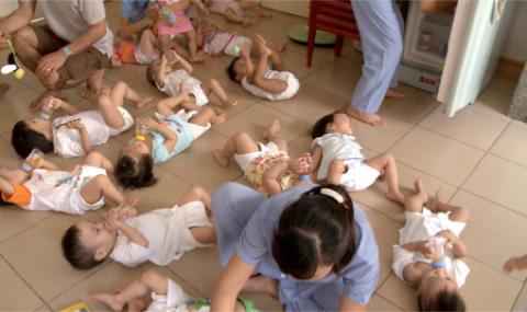 Enfants sans famille : ils ont aussi le droit a l'amour