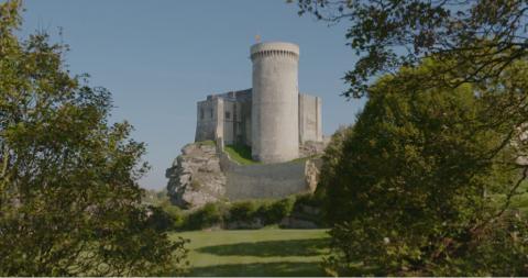 Châteaux forts : les origines / Grandeur et déclin