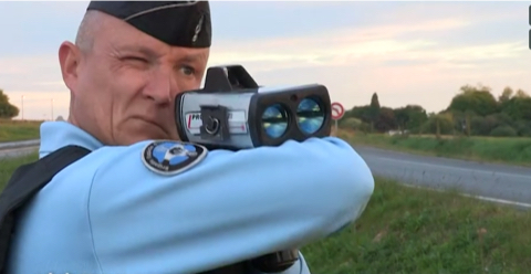 Radars, motards, chauffards : zéro de conduite