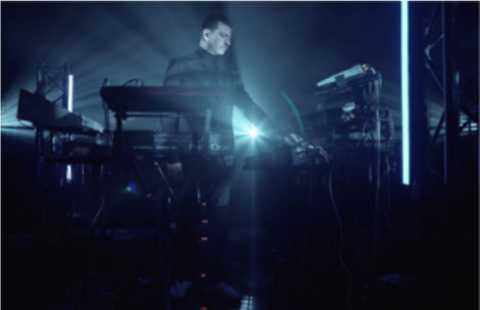 SEQUENCES: electronic live sessions